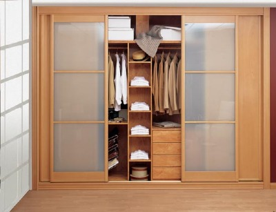 Claves de los armarios empotrados for Fabricar zapatero
