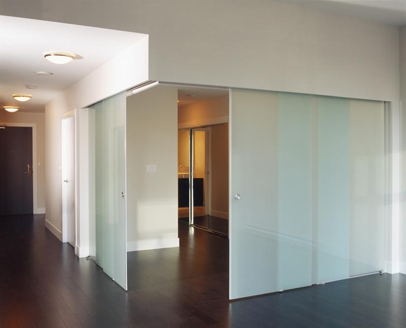 Puertas correderas de cristal archives interiorista for Puertas para oficinas precios